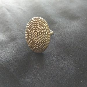 Jewelry - Sterling Silver Ring w/ Rope Design